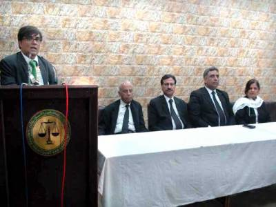 قانون کی مکمل حکمرانی تک وکلاءکی جدوجہد جاری رہے گی:بیرسٹر امجد ملک