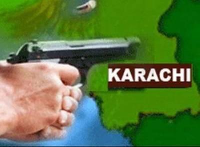 کراچی کے گورومندر کے قریب پولیس مقابلہ ، ایک ڈاکوماراگیا، ایدھی ایمبولینسوں کو نقصان