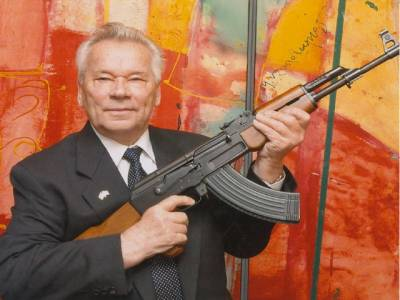 کلاشنکوف کے خالق میخائل کلاشنکوف انتقال کر گئے