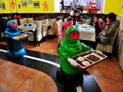 چین کا روبوٹ ہوٹل سیاحوں کی توجہ کا مرکز بن گیا