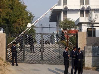 غداری کیس : پرویز مشرف کے وکیل رانا اعجاز کو معافی مل گئی