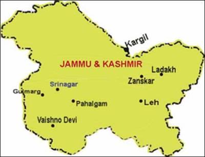مقبوضہ کشمیر میں خونریز جھڑپ کے بعد سینکڑوں افراد کے احتجاجی مظاہرے
