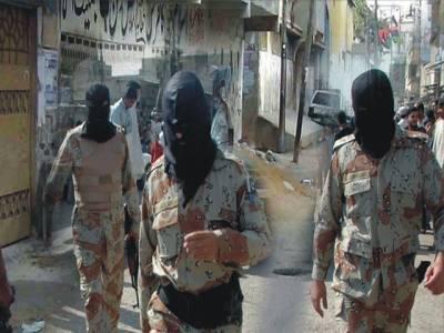کراچی: رینجرزکی وردی میں ملبوس افراد 10لاکھ کاسامان لوٹ کرفرار