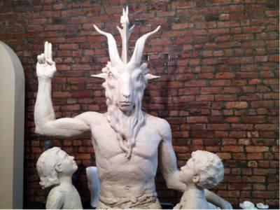 امریکہ میں شیطان کا مجسمہ تیار