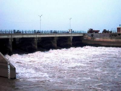 پاکستانی انجینئرز کاکارنامہ ، نہر کے ایک مقام پر تین پل