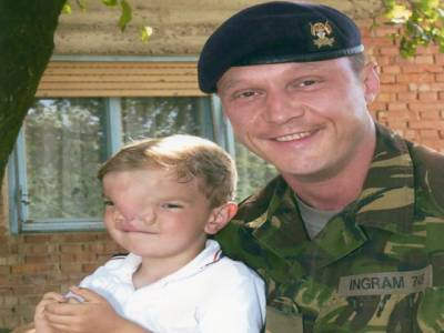 برطانوی فوجی نے ایک زندگی کیلئے 10سال قربان کردیئے