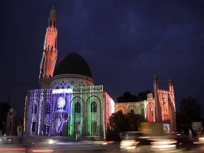 شب برات:مساجد اور گھروں پر چراغاں، فرزندان اسلام ذکر الٰہی کی محافل سجانے میں مشغول