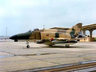 ایران : جنگی طیارہ گر کر تباہ، پائلٹ ، معاون ہلاک