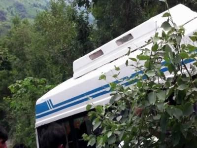 پونچھ:مسافرکوچ کھائی میں گرنے سے16مسافرجاں بحق