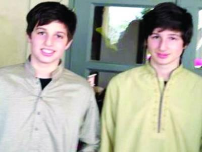 آزادی مارچ، عمران خان کے بیٹے بھی پاکستان پہنچ گئے