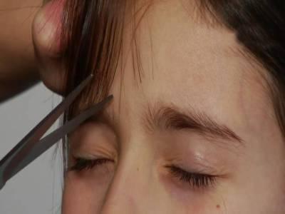 سعودی بیوٹی پارلر نے لڑکی کو گنجا کر دیا