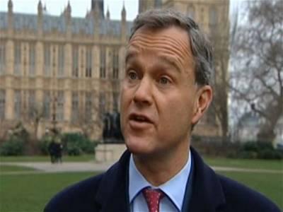 'غربت 'کے ہاتھوں تنگ برطانوی وزیر مستعفیٰ