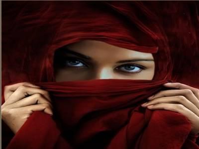 شراب کے نشے میں چور پکڑ ی جانے والی عرب خاتون نے ملبہ شوہر پر ڈال دیا