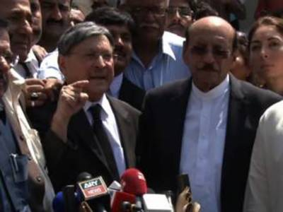 الیکشن دھاندلیوں کے الزام میں فتح قائم علی شاہ کی ہوگی:فاروق نائیک