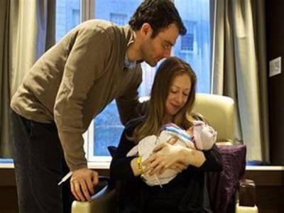 چیلسی کلنٹن کے ہاں پہلی بچی کی پیدائش
