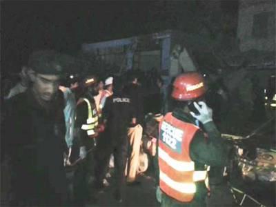 تیز رفتاری کے باعث مسافر کوچ الٹنے سے 8 افراد جاں بحق
