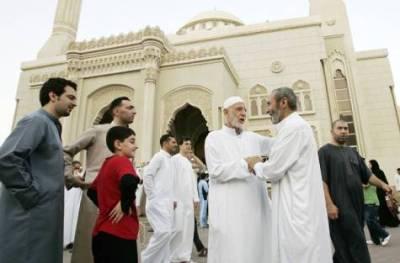 سمندر پار پاکستانیوں کی عید . . .