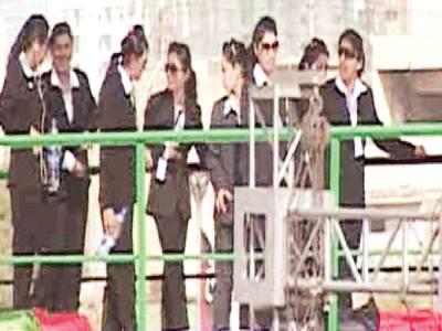 پی پی جلسہ، لیڈی سیکیورٹی دستے نے 'قذافی' کی یادتازہ کردی