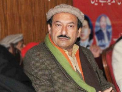 خیبر پختونخواہ حکومت کے دو وزراءطالبا ن کو بھتہ دیتے ہیں: سینیٹرزاہد خان کا انکشاف