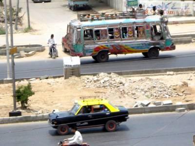 کراچی میں ٹیکسی اور میٹرو ٹیکسی کے کرایوں میں 7 فیصد کمی کا فیصلہ