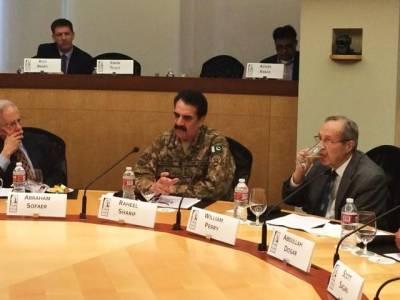 دنیا دہشت گردی کے خلاف جنگ میں پاکستانی قربانیوں کا احترام کرے: جنرل راحیل شریف
