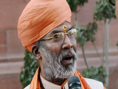 رکن پارلیمنٹ کو گاندھی کے قاتل کی تعریف کرنے کے اگلے ہی روزمعافی مانگنا پڑگئی