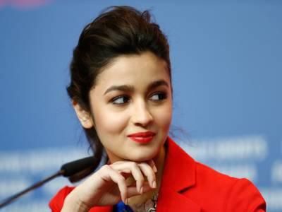 عالیہ بھٹ بھارتی کپتان دھونی کی 'فلمی ' دلہنیاہوں گی