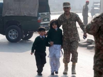 سانحہ پشاور میں 132 بچوں سمیت 141 افراد شہید، چاروں صوبائی و وفاقی حکومت کا تین روزہ سوگ کااعلان ، تمام سات دہشتگرد ہلاک کر کےسکول کو کلیئرکردیاگیا