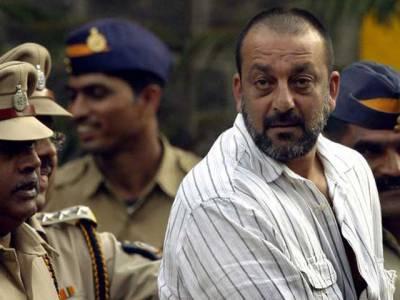 سنجے دت نے جیل میں 10 'سکرپٹ' لکھ ڈالے