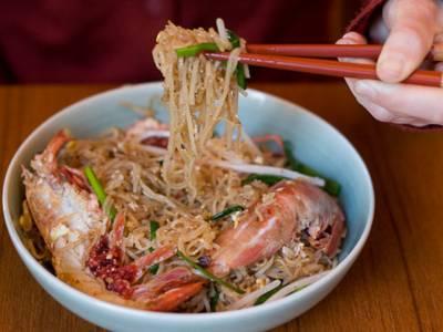 چینی کھانا کھانے کے لیے چاپ سٹک کا استعمال کیوں کرتے ہیں
