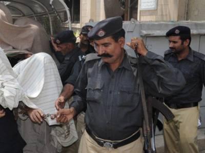 کراچی :تھانے میں پولیس کے مبینہ تشدد سے ایک شخص جاں بحق ،ورثاءکا احتجاج ،تحقیقاتی کمیٹی قائم