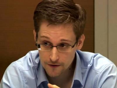 سابق امریکی جاسوس ایڈورڈ سنوڈن نے آئی فون استعمال کرنے سے انکار کر دیا کیونکہ۔۔۔
