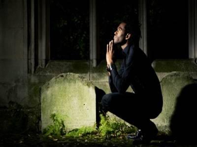 محبت میں ناکامی پر لڑکی نے پھانسی لے لی، عاشق قبر پر جاکر مرگیا