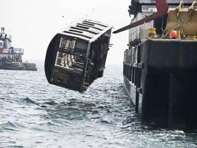 امریکی ٹرینوں کی بوگیاں سمندر میں پھینکی جارہی ہیں کیونکہ۔۔۔