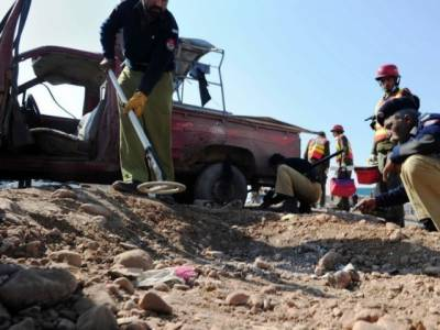 نصیر آباد:چھتہر میں گاڑی بارودی سرنگ سے ٹکراگئی،5 افراد جاں بحق ،متعدد زخمی