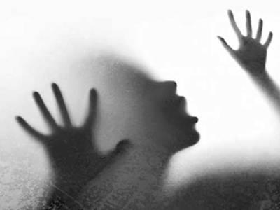 سیاسی رہنما کے گارڈ کی نوبیاہتی دلہن سے زیادتی کی کوشش