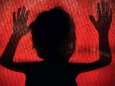 دو اوباشوں نے بچے سے زیادی کی ویڈیو انٹرنیٹ پر اپ لوڈکر دی