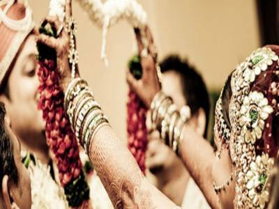 بھارتی دلہن نے دولہے کو چھوڑ کر مہمان سے شادی کرلی