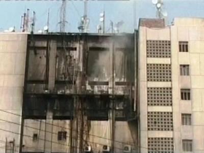 ایجرٹن روڈ پر پی ٹی سی ایل کی عمارت میں آگ لگ گئی ، فائر برگیڈ آگ پر قابو پانے میں مصروف