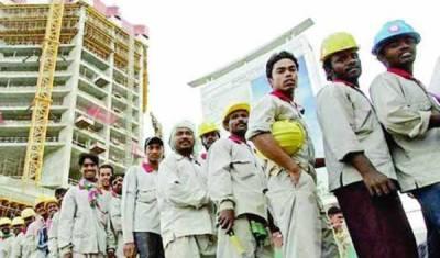 سعودی عرب میں غیر ملکی ملازمین پر ایک اور سنگین پابندی عائد، سرگرمیاں بھی محدود کر دی گئیں