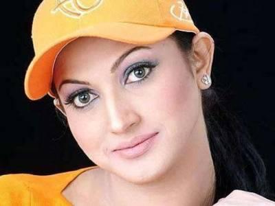 پاکستانی معاشرے میں آج بھی بیٹیوں کو پسند نہیں کیا جاتا :فلم سٹار ثنا