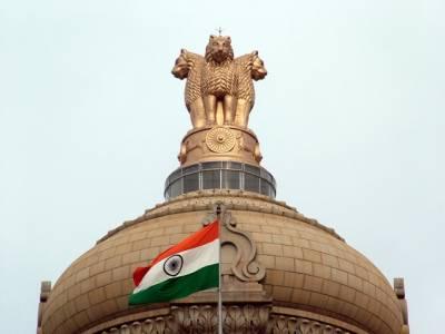 دن کا آغاز بیوی کے پاﺅں چھو کرکرتا ہوں،بھارتی وزیر