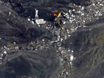 مسافر طیارے کی تباہی کے پیچھے ایئر لائن کی غفلت کا انکشاف ، پائلٹوں کی ہڑتال کی دھمکی