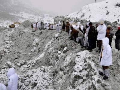 سانحہ گیاری سیکٹر کو 3 سال مکمل ہونے پر قوم شہداءکو خراج تحسین پیش کرتی ہے : آئی ایس پی آر