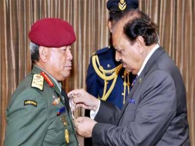 پاکستان نے ملائیشیا کی مسلح افواج کے کمانڈر ان چیف کو نشان امتیاز ملٹری عطاکردیا