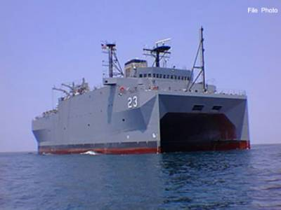 امریکہ نے نئے جنگی جہاز یمن کے پانیوں میں روانہ کر دیے