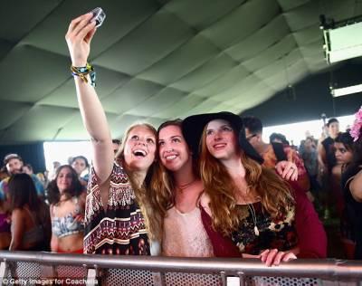 انٹرنیٹ پر ایک تصویر اپ لوڈ کرنے کیلئے خواتین کتنی تصاویر کھینچ کر ڈیلیٹ کرتی ہیں