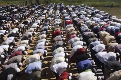 ایک ہی وقت میں نماز اور اذان کے فیصلے پر مئی سے عملدرآمد کرانے کا فیصلہ