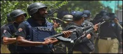 پولیس،حساس اداروں نے مشترکہ کاروائی کرتے ہوئے راہوالی میں جدید آتشیں اسلحہ سے بھر اٹرک اور 3 ملزمان کوپکڑ لیا