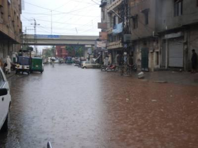 پشاور میں طوفانی بارش ،عمارتوں کی چھتیں گرنے سے 30 افراد جاں بحق ،150 سے زائد زخمی